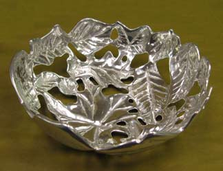 Mexican Pewter - Bread Bowl Leaf Design